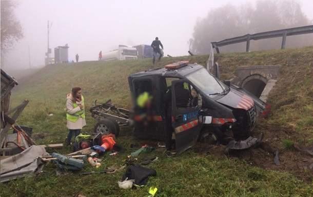 Во Львовской области произошло серьёзное ДТП. 7 пострадавших