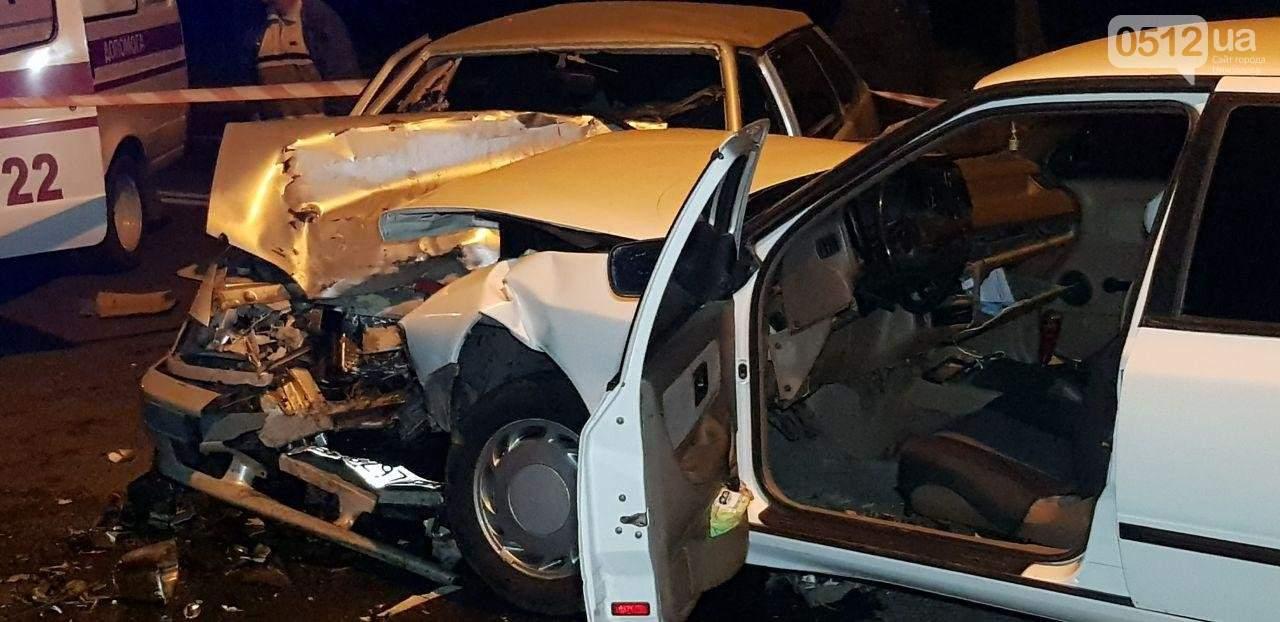 Лобовое столкновение в Николаеве: трое пострадавших (фото)