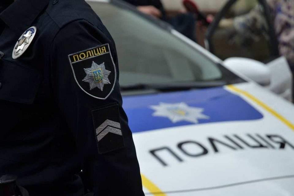 В Киеве во время проверки автомобиля несколько человек совершили сопротивление полицейским