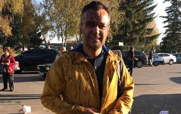 Журналиста, который хотел попасть на сессию Полтавского облсовета, облили фекалиями