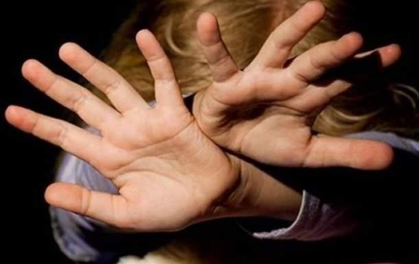 По Николаеву бродит педофил, который изнасиловал ребёнка в подъезде