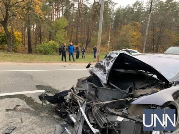 Под Киевом столкнулись Tesla и Skoda (фото)