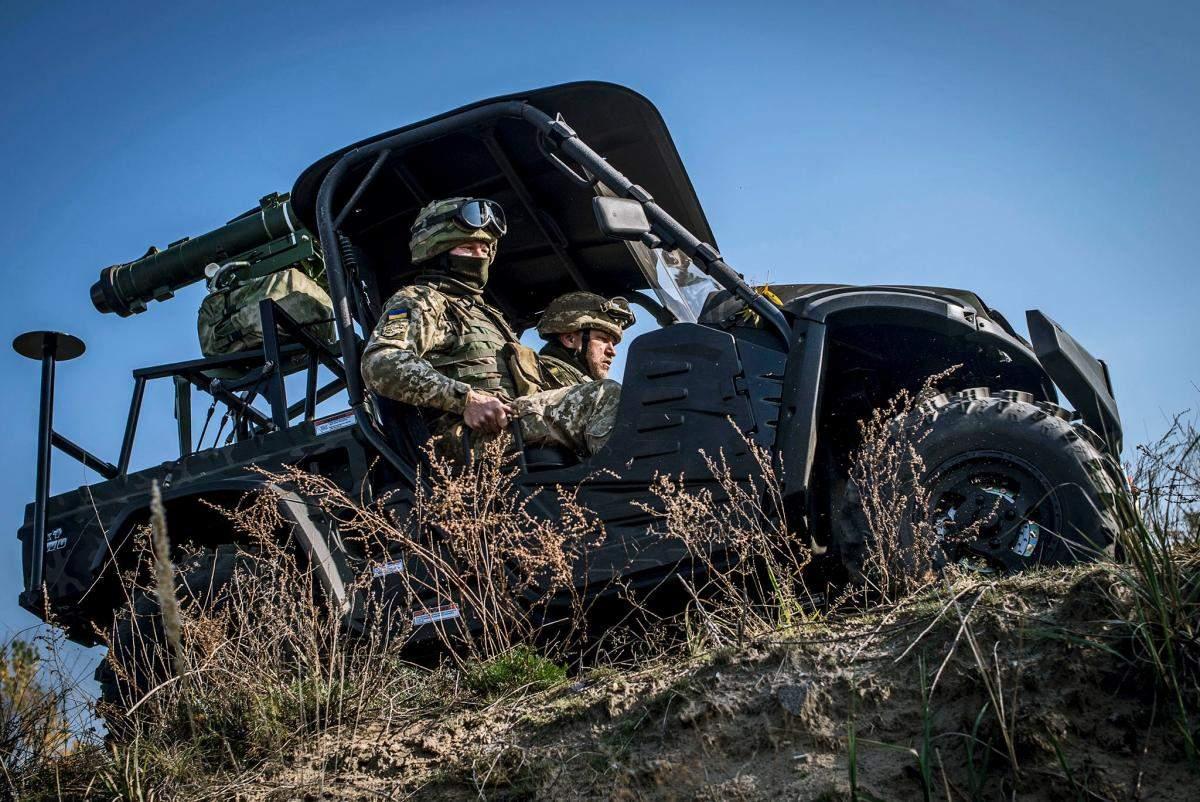 Бойцы ВСУ получили вездеходы для перевозки противотанковых ракет (фото)