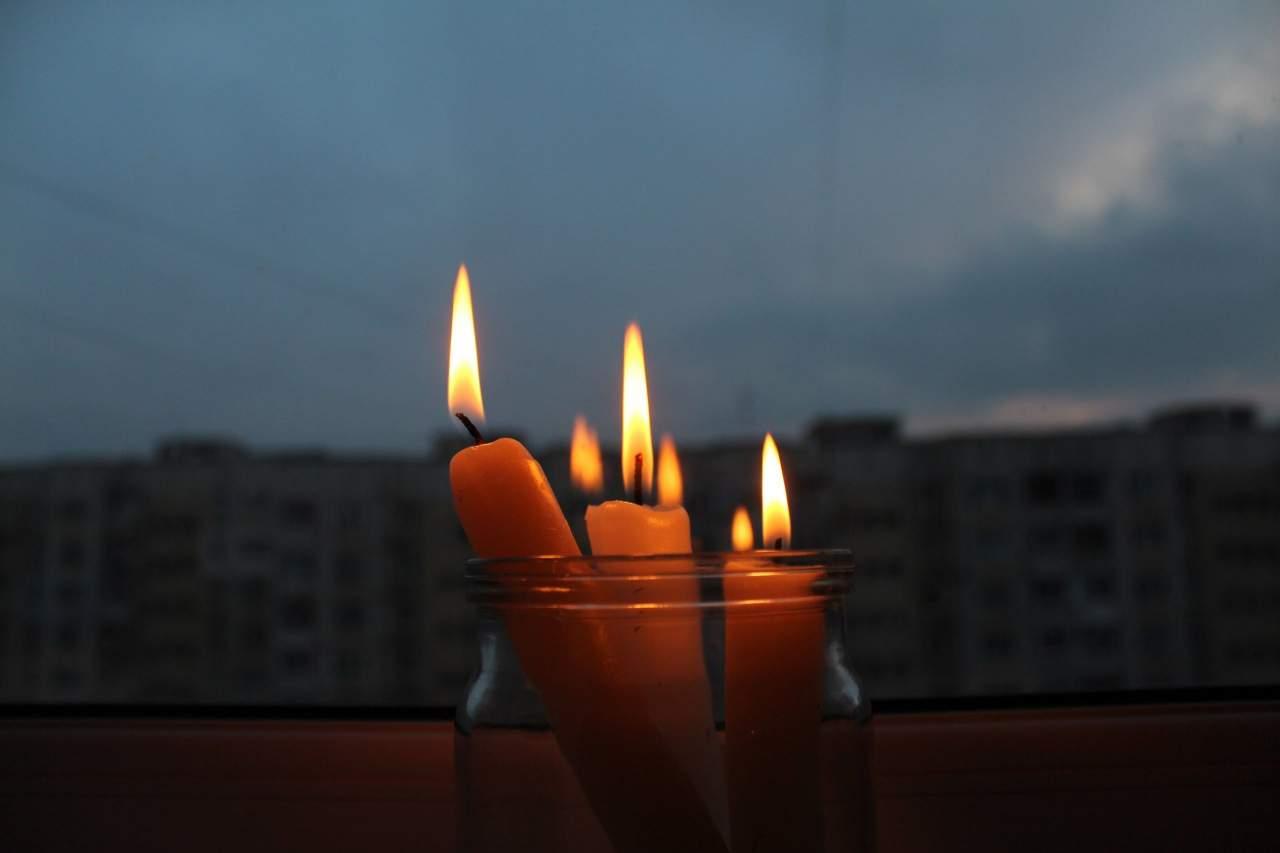 Из-за сильных ветров на Львовщине 37 населенных пункта остались без света