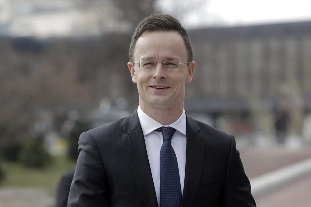 Глава МИД Венгрии отрицает план по захвату территории Закарпатья