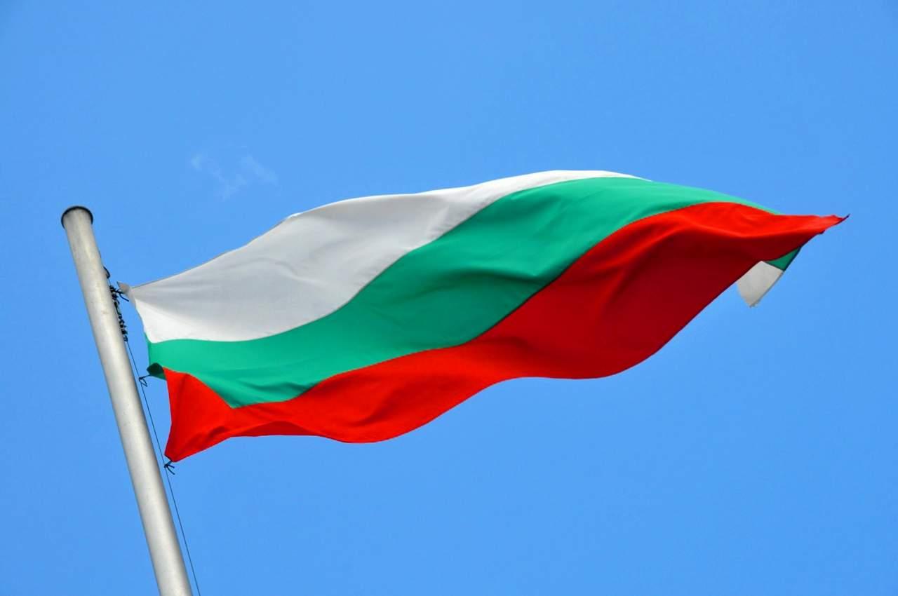 Украинцы в Болгарии платили чиновникам в криптовалюте, чтобы получить поддельное свидетельство