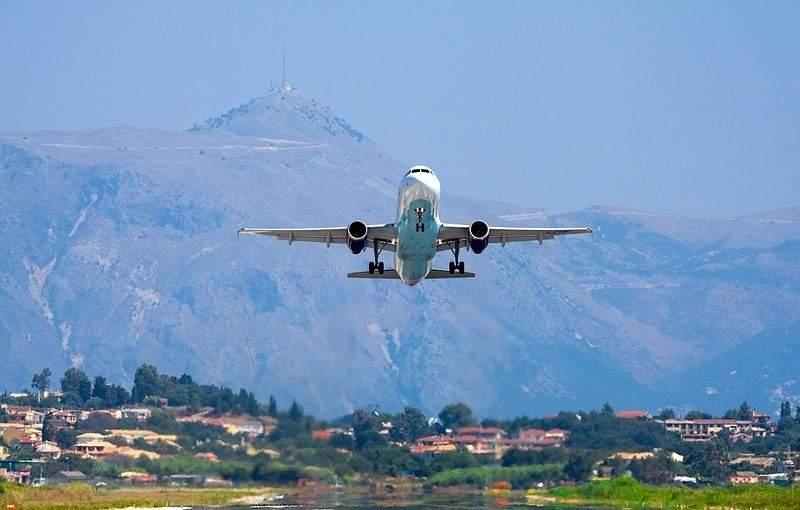 Впервые за 12 лет из Греции в Македонию вылетел первый самолет