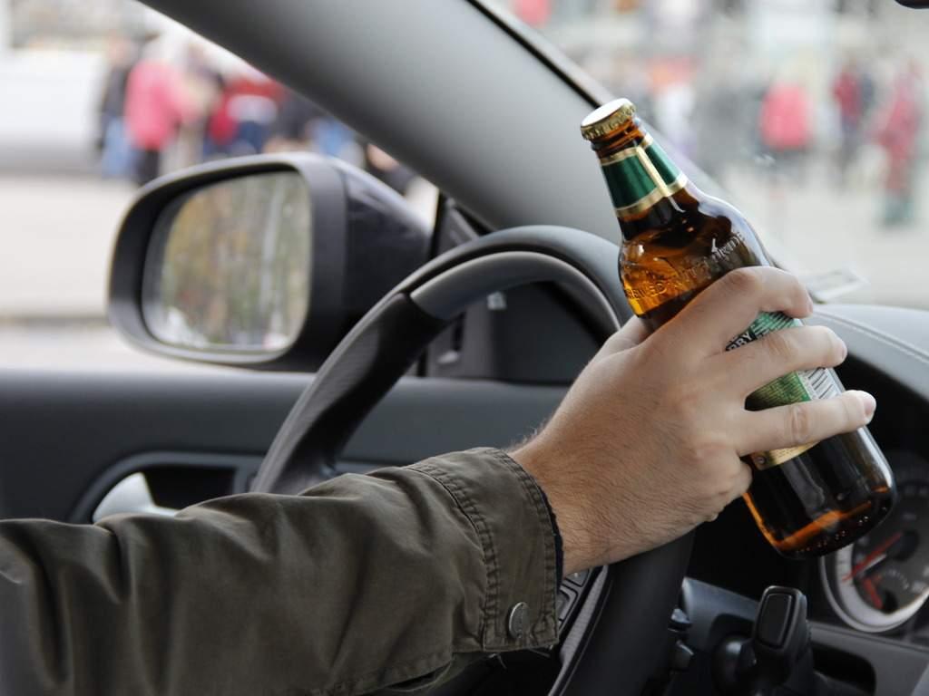 В Харькове нетрезвый водитель въехал в автомобиль патрульной полиции