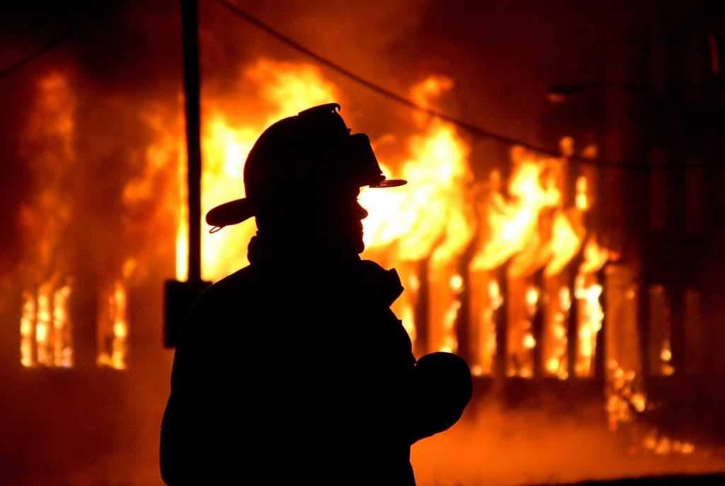 В Ужгороде загорелся подвал жилого дома
