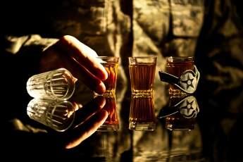 В Запорожье командир взвода пьянствовал в воинской части