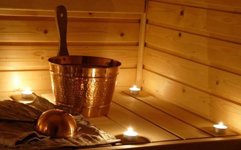 В Николаевской области на частной территории загорелась баня