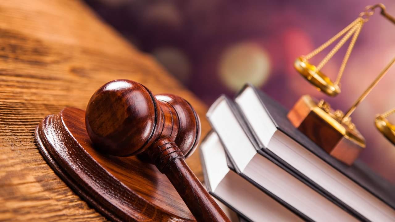 По решению суда зампредседателя Сбербанка, причастная к хищению 20 млн. долларов осталась на должности