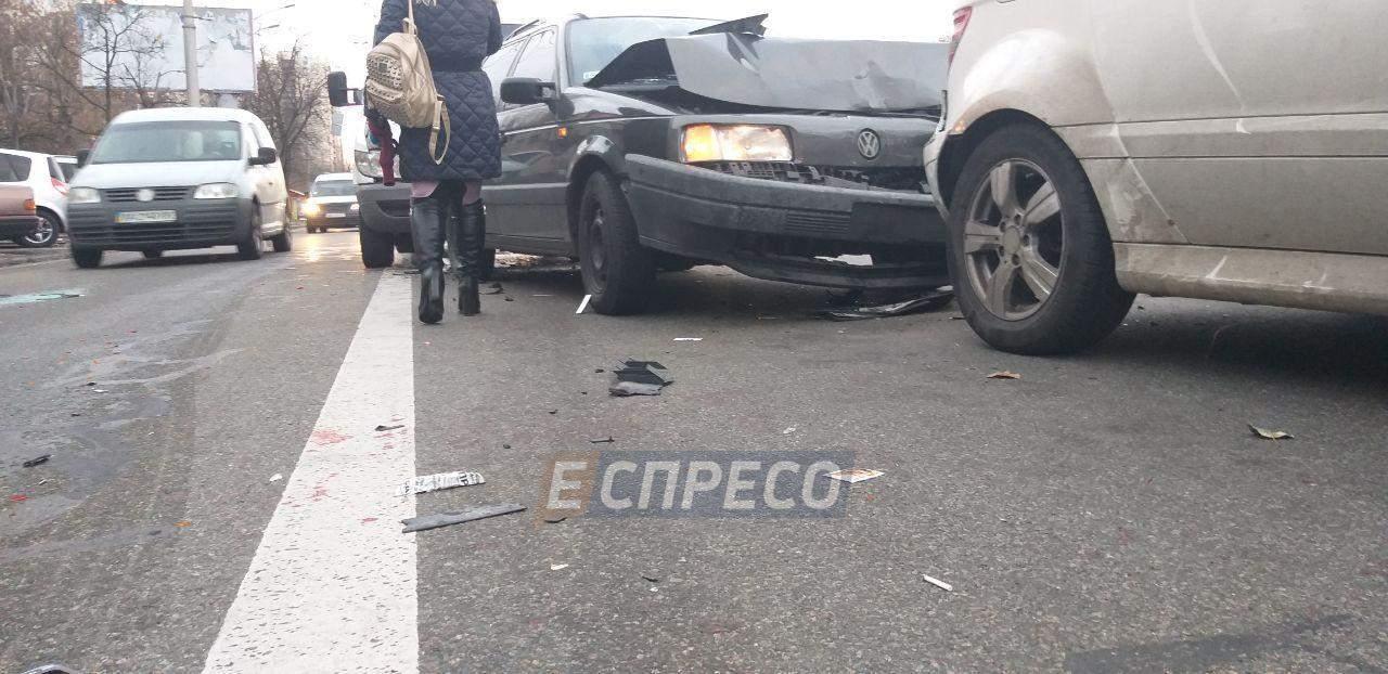 В столице произошло ДТП с участием трех автомобилей (фото)