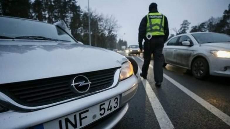 Протестующим евробляхерам полиция пригрозила применить соответствующие меры