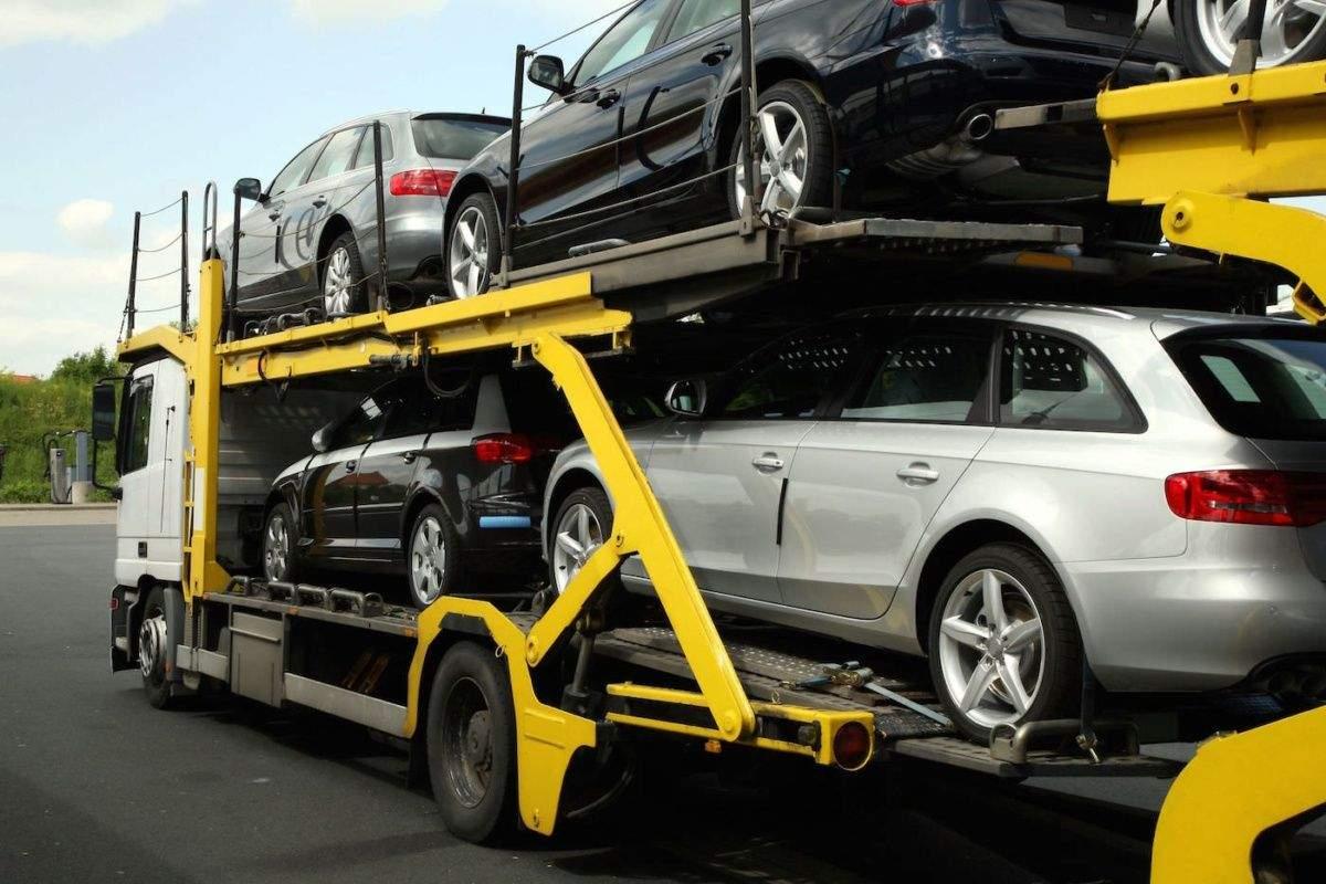 Депутаты работают над урегулированием порядка растаможки автомобилей