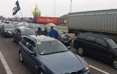 Владельцы автомобилей с иностранной регистрацией снова устроили акцию протеста