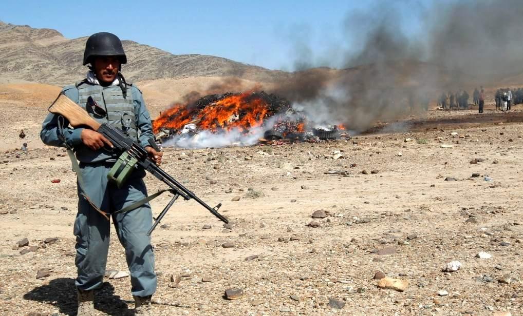 В Афганистане боевики напали на колонну полицейских машин. Десятки погибших