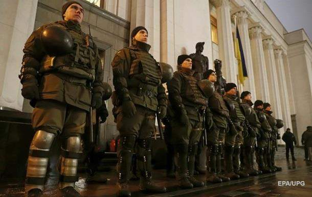 Депутаты ВР поддержалИ закон о введении военного положения в Украине