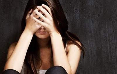 Иностранец напал на одесситку и жестоко её избил
