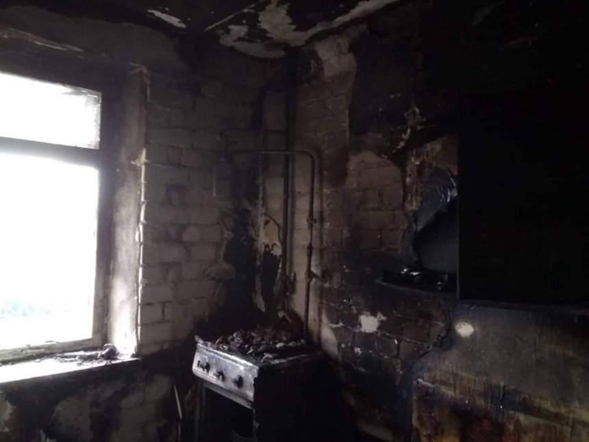В Николаеве во время пожара в девятиэтажном доме погибла женщина (фото)
