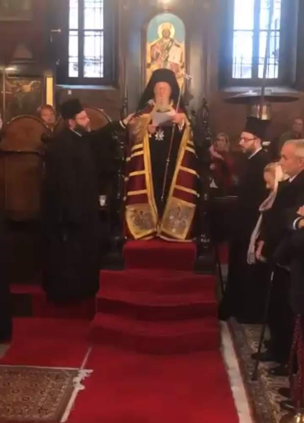 Вселенский патриарх вместе с украинцами помолился за жертв голодоморов (видео)