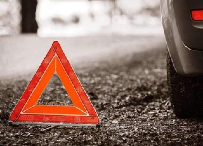 На Закарпатье водитель автомобиля намеренно въехал в толпу людей: виновник ДТП отпущен из-под стражи под залог