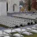 Во Львове неизвестные пытались повредить конструкции у скульптур львов на польских воинских захоронениях