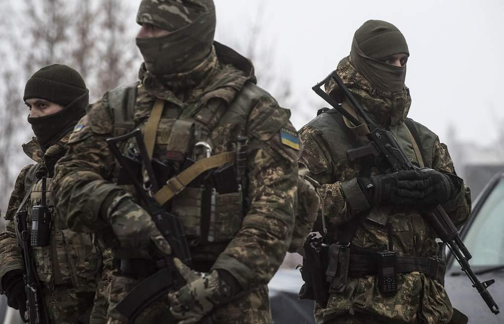 На Донбассе в результате боевых действий пострадал украинский военный