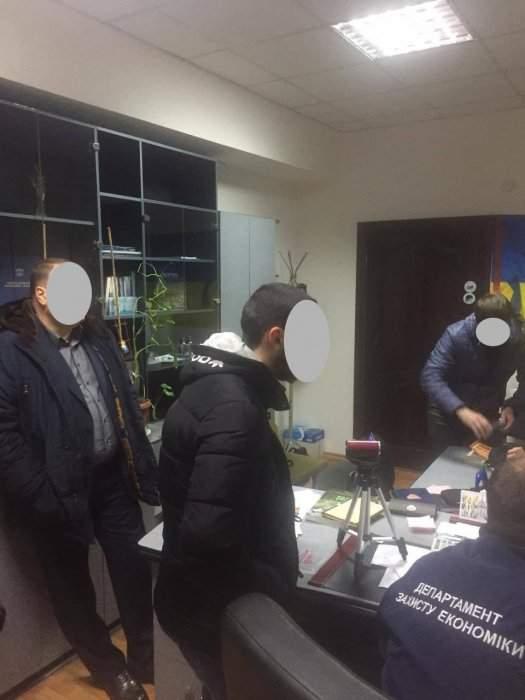 В Николаеве задержали чиновника, который регулярно требовал взятки