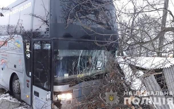 В Винницкой области в результате столкновения автобусов пострадали 4 человека
