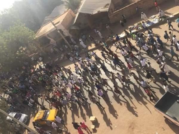 Массовые беспорядки в Судане: Правительство ввело чрезвычайное положение