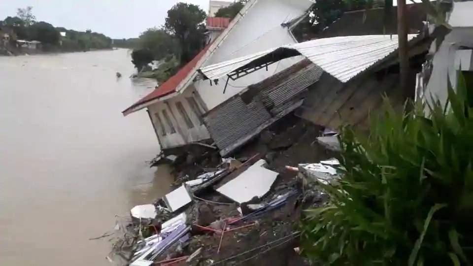 На Филиппинах жертвами шторма стали десятки людей