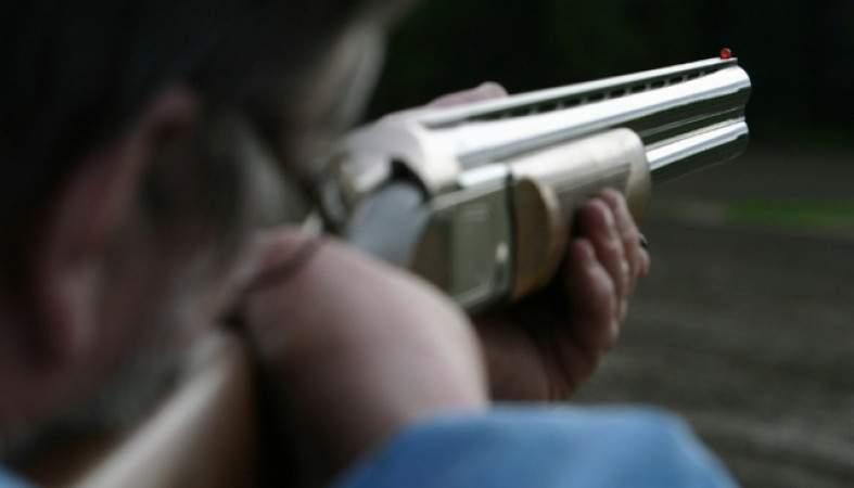В Техасе мужчина открыл стрельбу по автомобилю в котором находились дети