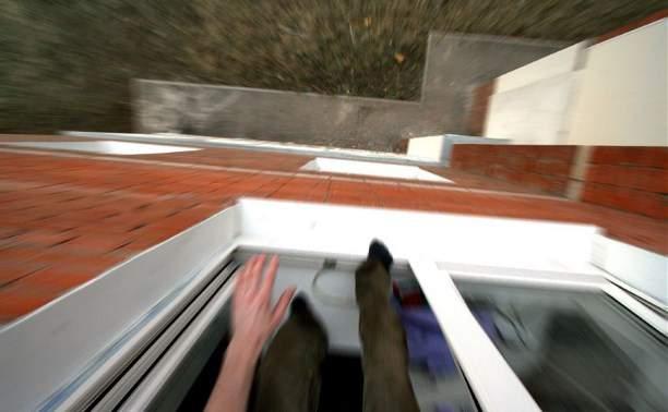 В столице мужчина совершил суицид, выбросившись из окна