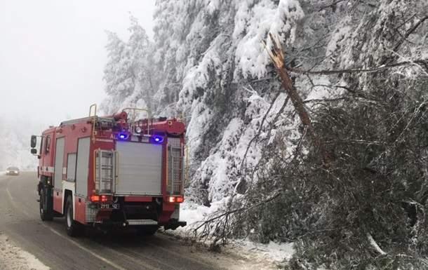 На Закарпатье более 40 населенных пунктов остались без электроснабжения