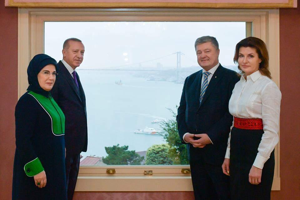Порошенко встретился с Эрдоганом и сделал совместное фото