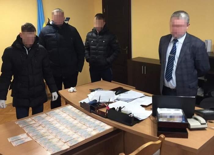На Львовщине сотрудники СБУ разоблачили чиновника-коррупционера
