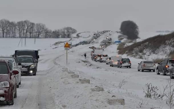 В Запорожской области из-за сложных погодных условий были перекрыты дороги