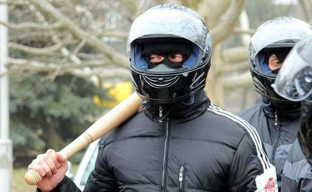 На Закарпатье местного жителя жестоко избили дубинками