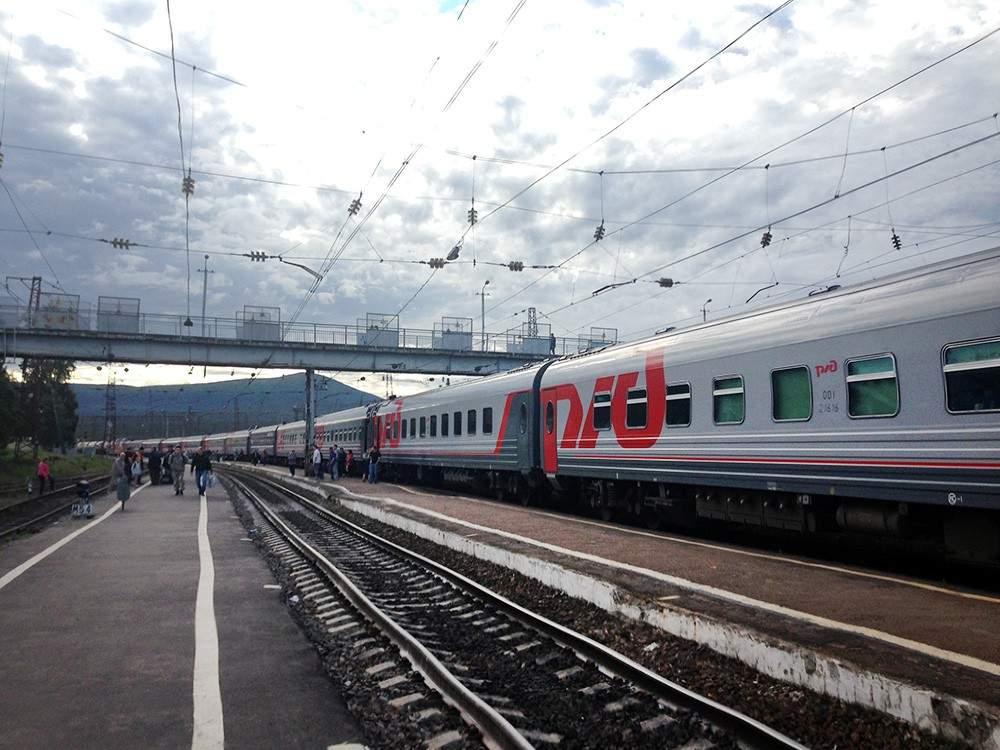 В поезде Николаев — Ивано-Франковск отказались обслуживать АТОшника на украинском языке