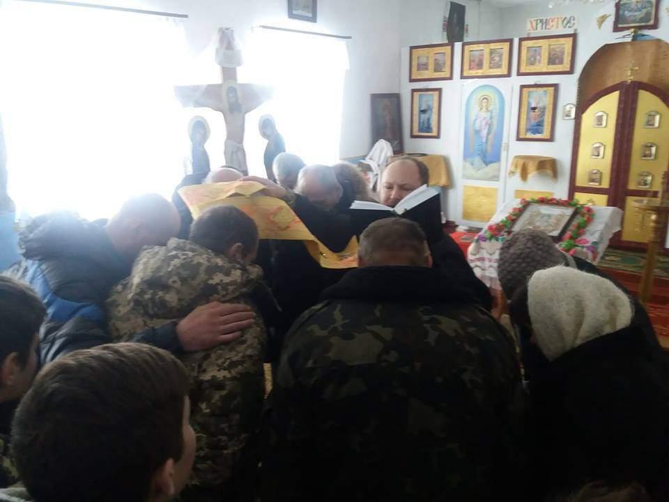 Священники ПЦУ захватили Свято-Вознесенский храм с помощью националистов
