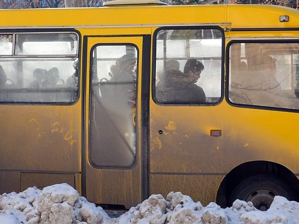 В Николаеве водитель маршрутки отказал в льготном проезде солдату АТО