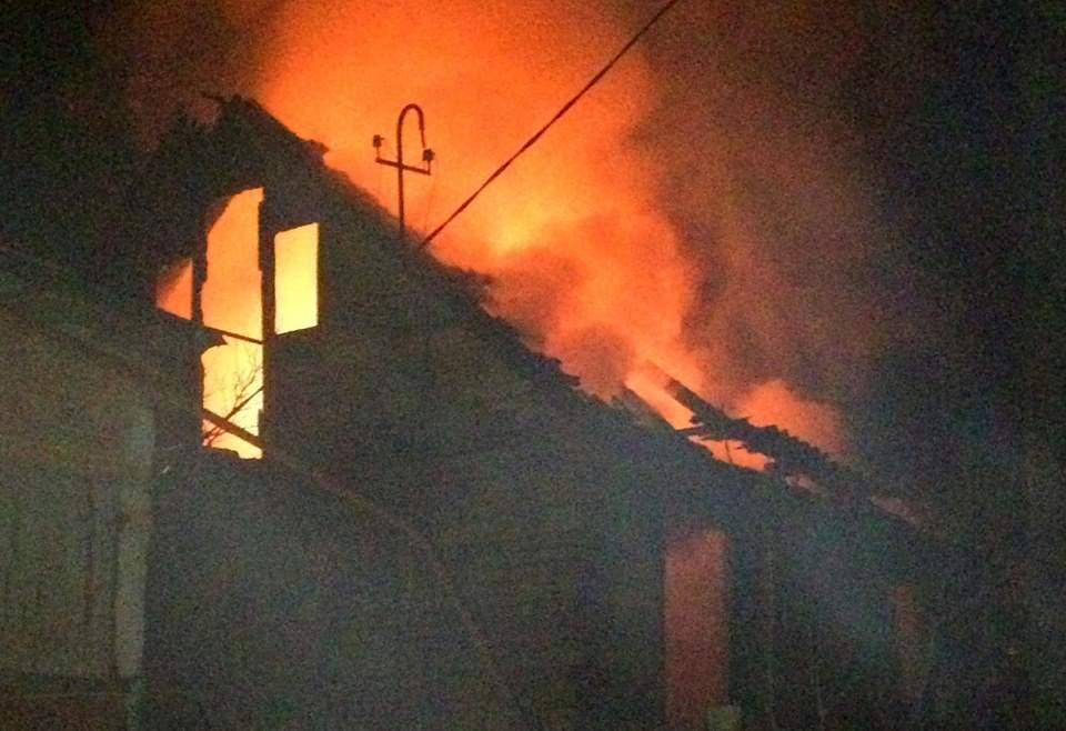 На Киевщине в результате пожара в частном доме погиб молодой парень