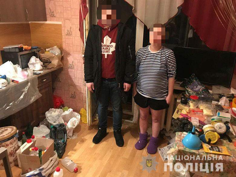 В столице супружеская пара изготавливала на дому амфетамин (фото)