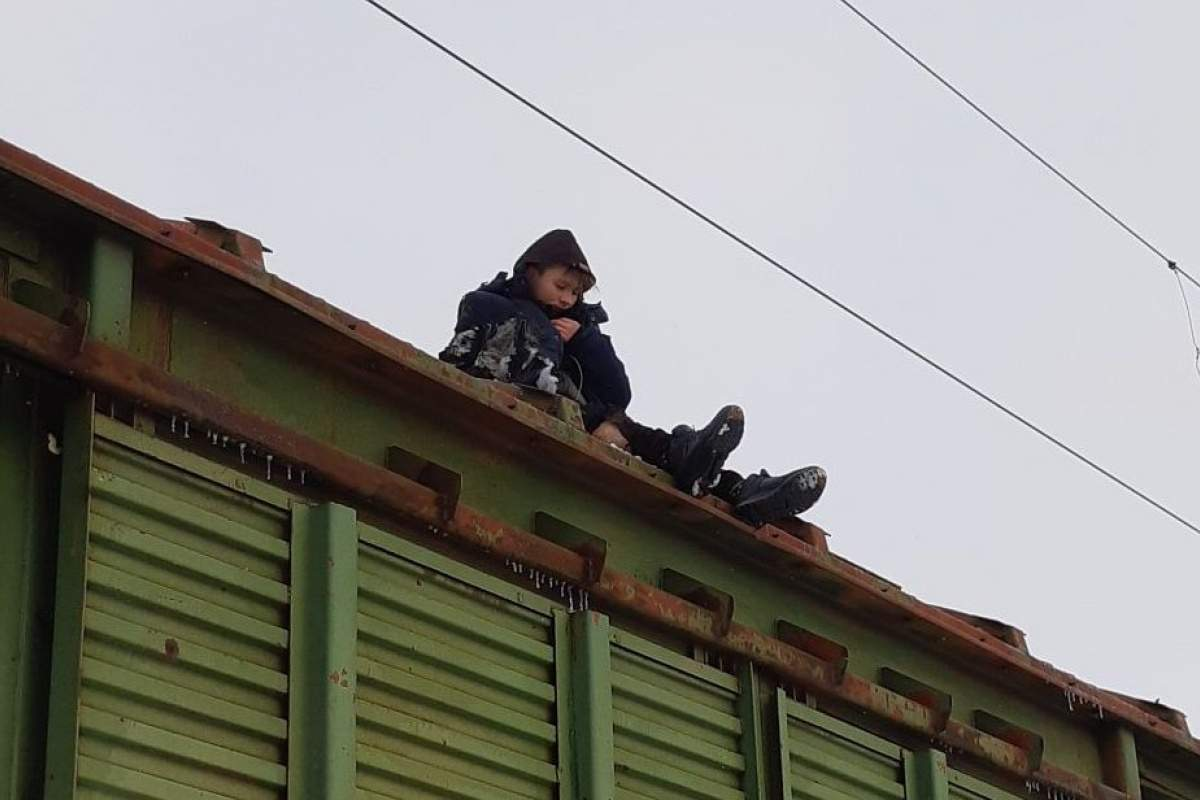 В Кропивницком мальчик получил удар током на крыше поезда