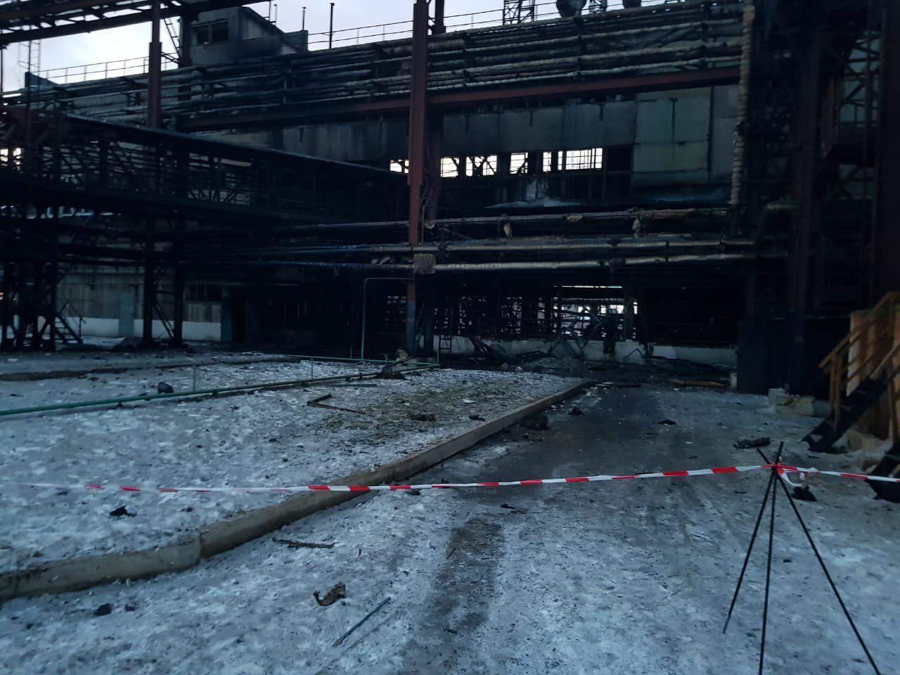 Ночью в Днепре прогремел взрыв на территории коксохимического завода: 5 пострадавших (фото)