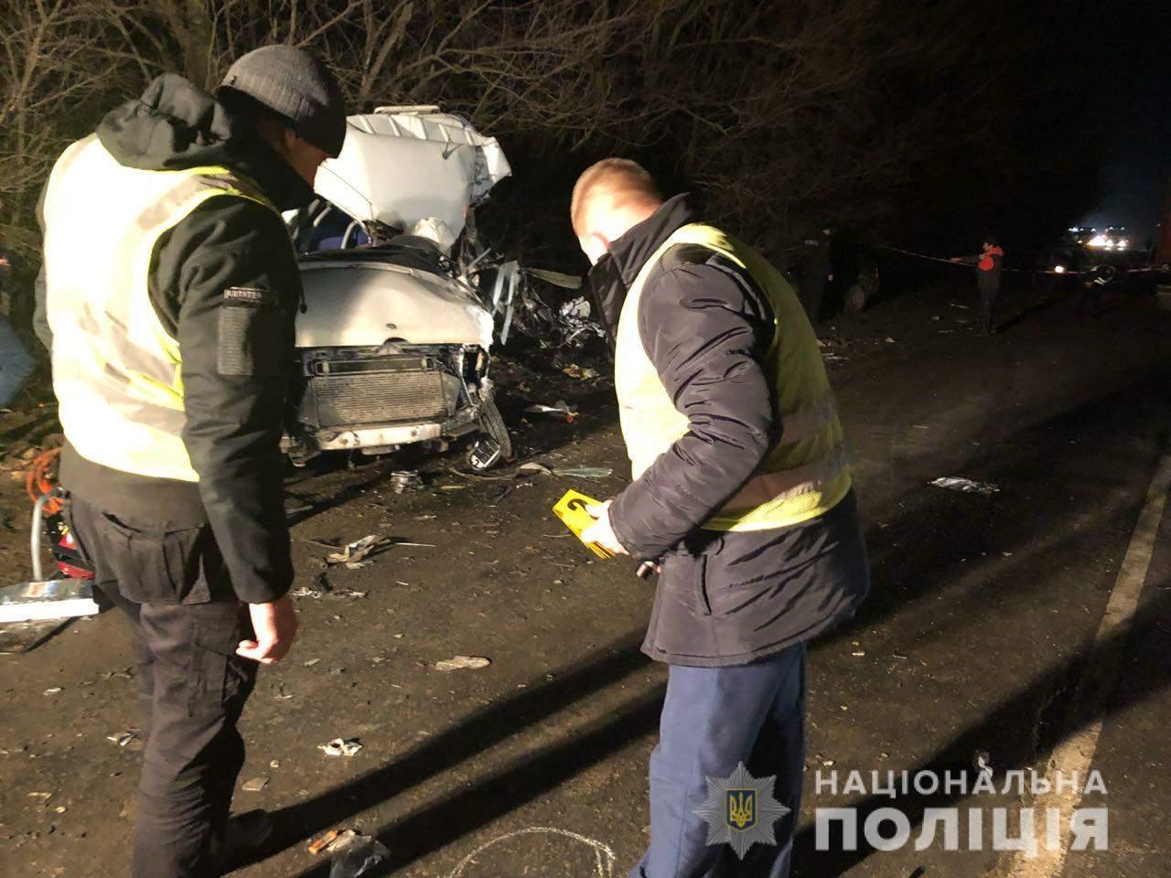 На трассе Одесса - Овидиополь в аварии погибли два сотрудника полиции (фото)