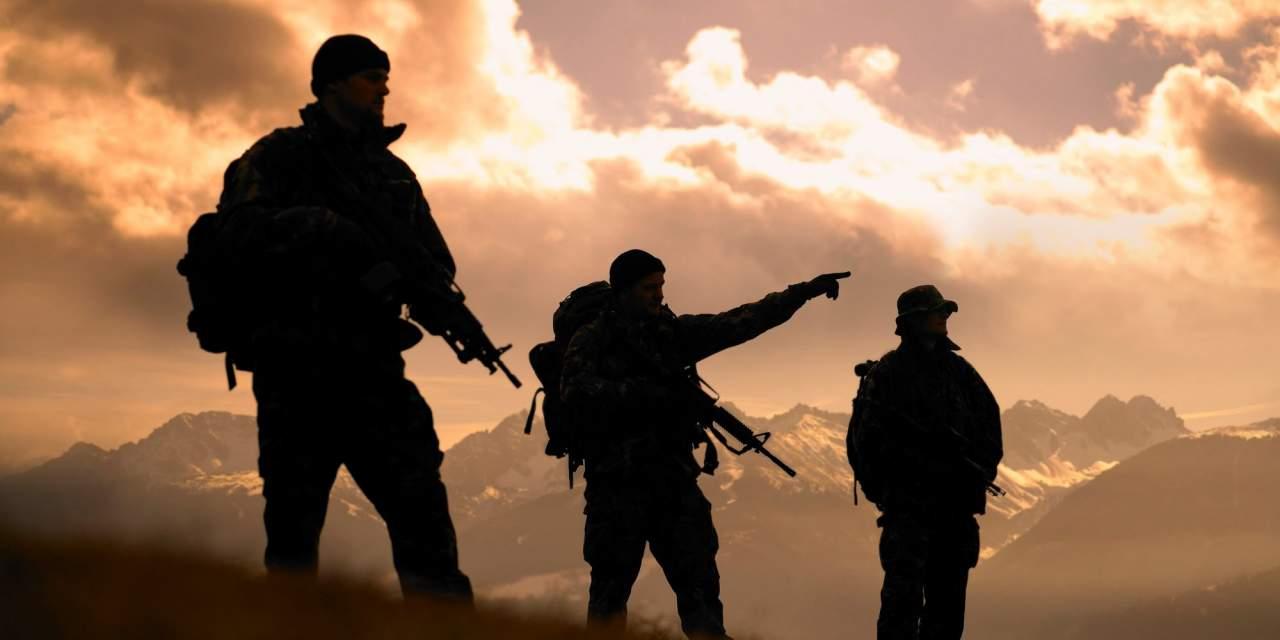В Иране террористы атаковали военную базу. Есть погибшие
