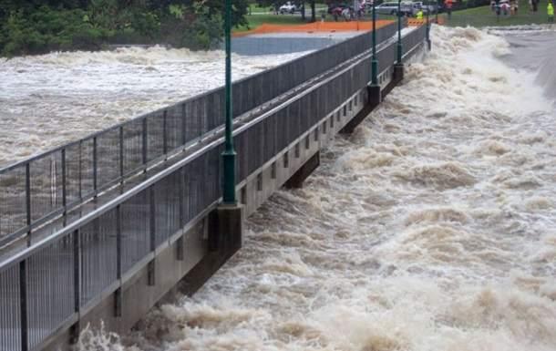 В Австралии в результате наводнения были подтоплены дома. Эвакуированы тысячи человек