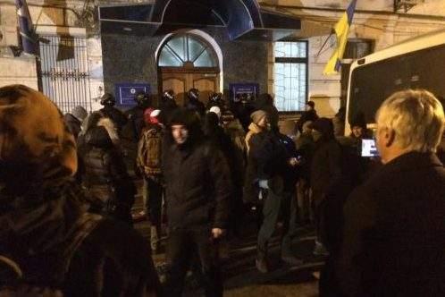 В Киеве избили и ограбили задержанных радикалов С14